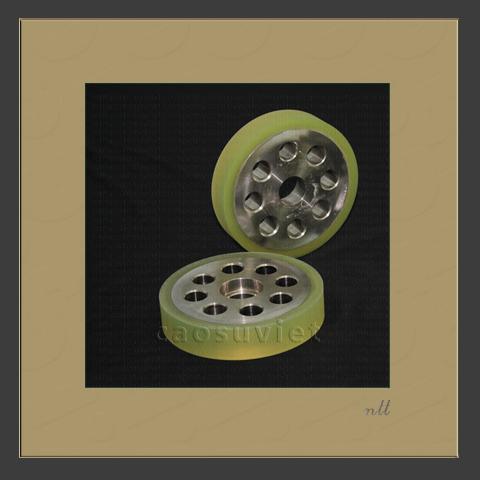 Feeder polyurethane wheels