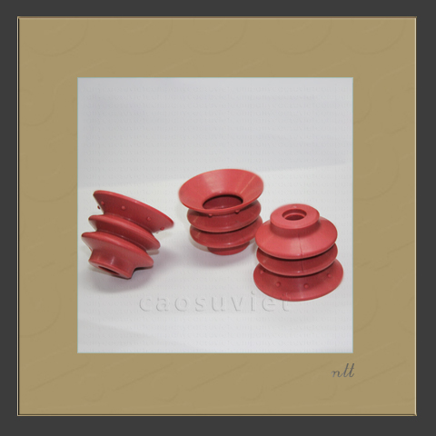 Silicone vacuum cups for paper industry